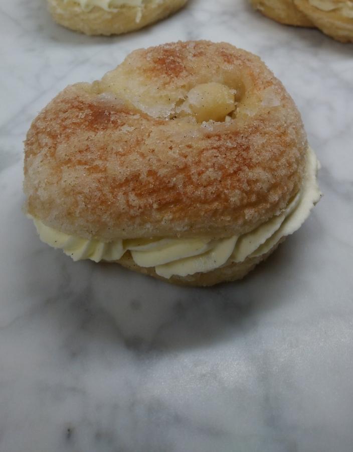 Vanillebroodjes met Zwitserseroom